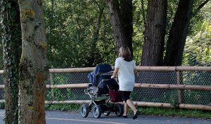 וינה עם תינוק
